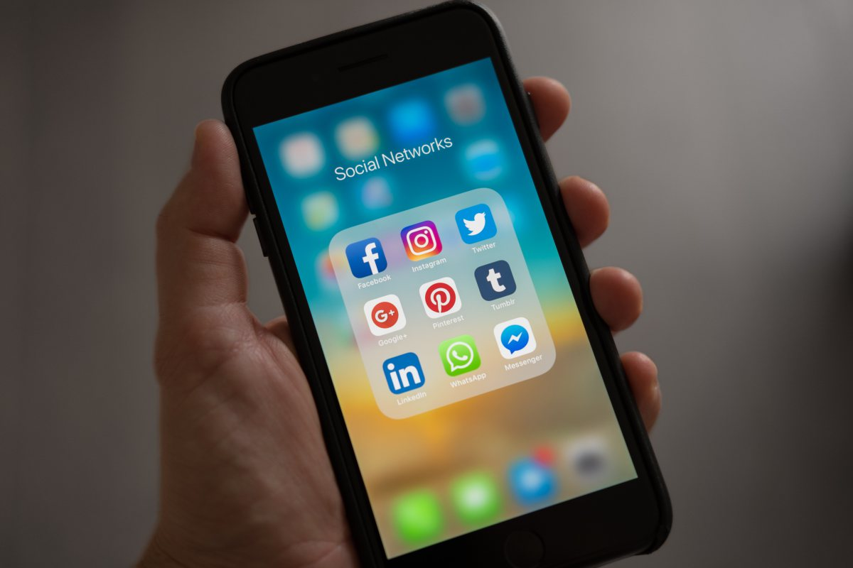 business tips cell phone social
